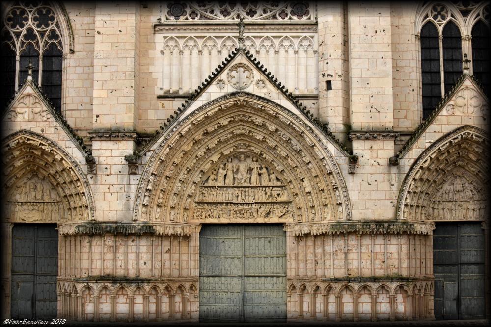 Portail - Cathédrale Saint Pierre - Poitiers