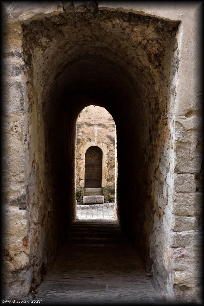 Saint Guilhem le Désert - Ruelle