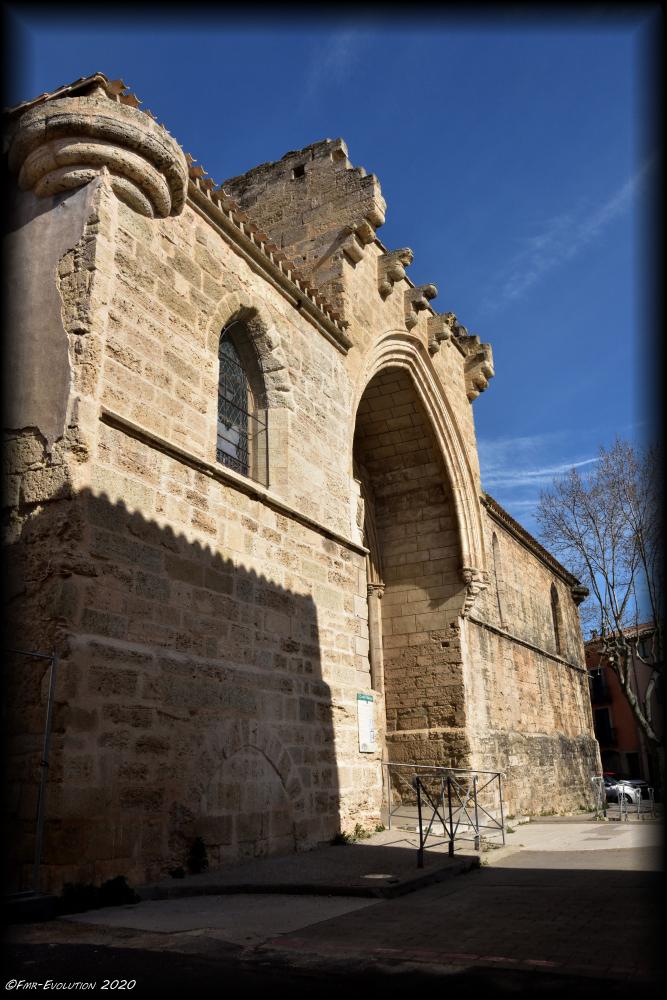 Montagnac - Portail Eglise