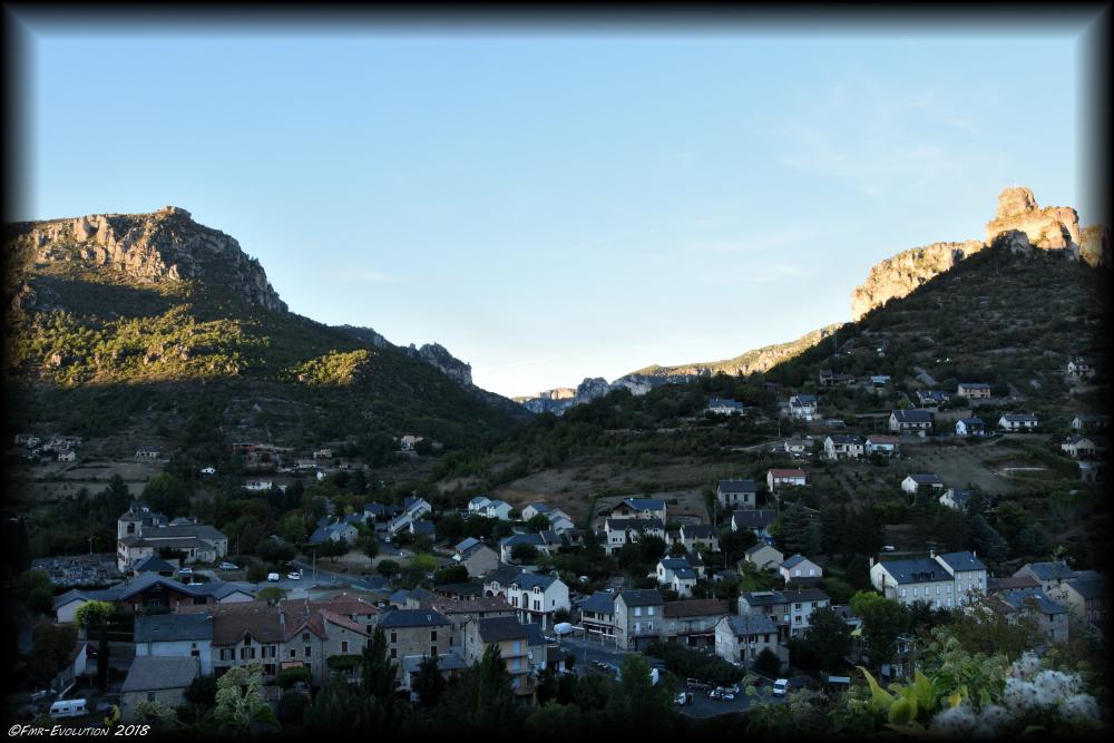 Le Rozier - Vue des hauts de Peyrelau