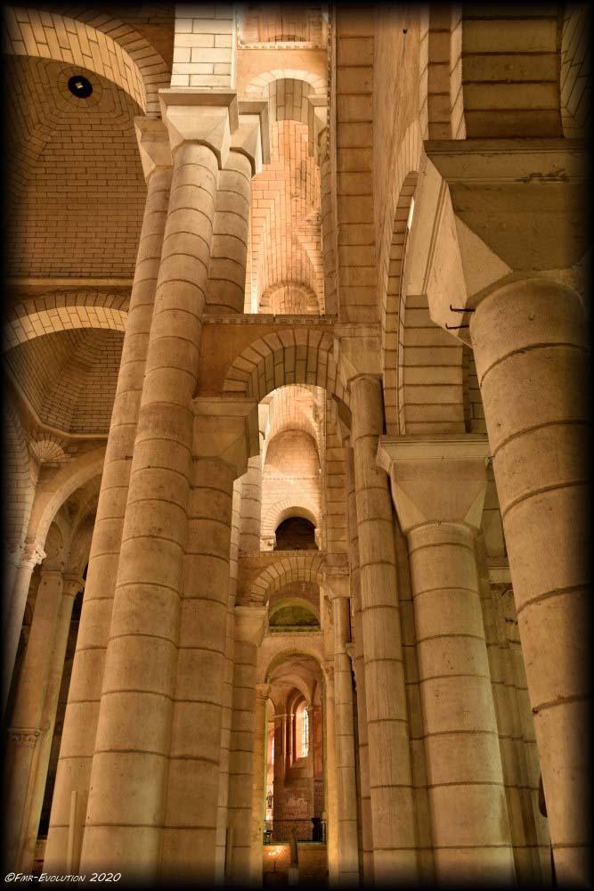 Eglise St Hilaire le Grand : Labyrinthe