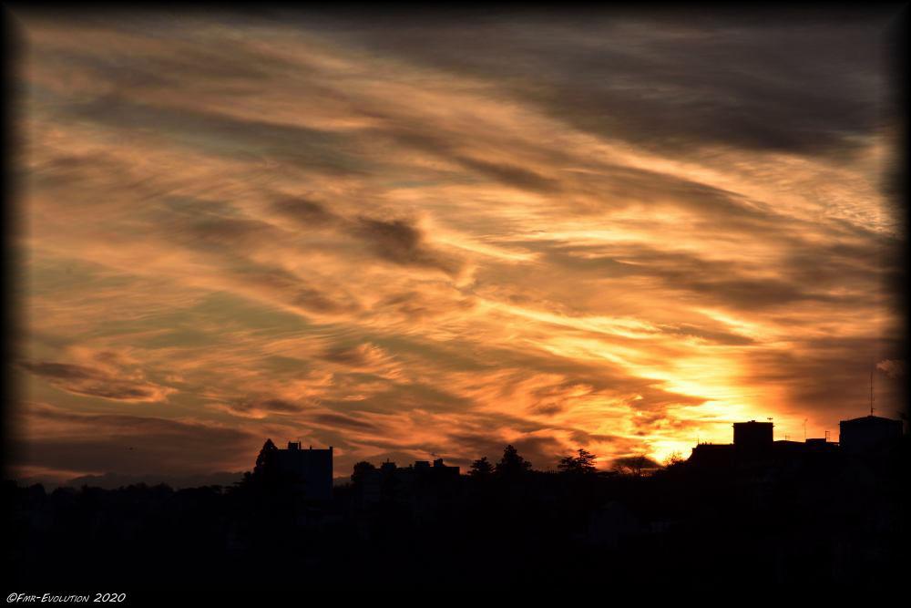 31 décembre 2020 - Dernier coucher de soleil sur Poitiers