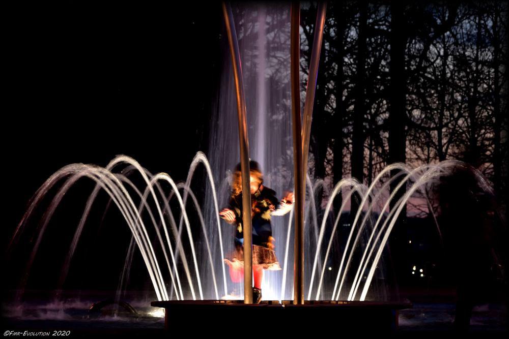 Danseuse et fontaine - Blossac - Poitiers la Nuit